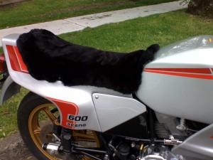 Ducati 600 SL Pantah 1979-1985 Black Sheepskin Motorcycle Seat Cover